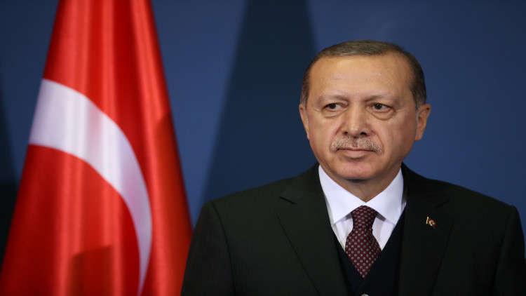 أردوغان: المسؤولون الأتراك لن يلتقوا بالسفير الأمريكي