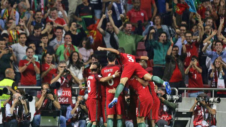 البرتغال تبلغ المونديال.. وسويسرا إلى الملحق