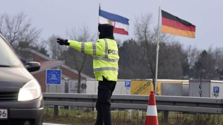 برلين تمدد فترة العمل بالحواجز الأمنية على حدودها