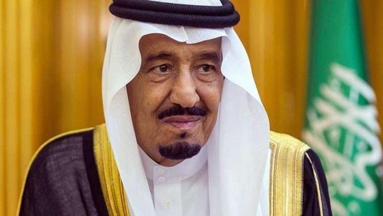 الملك سلمان يهنئ عباس ويشيد بالسيسي