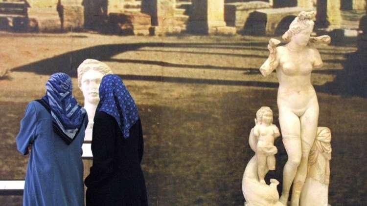 سرقة تمثالي الأخوين