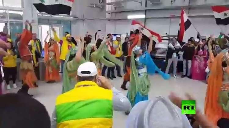 رقصات شعبية على هامش مهرجان الشباب العالمي