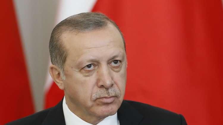أردوغان يلمح إلى مراجعة الشراكة الاستراتيجية مع الولايات المتحدة