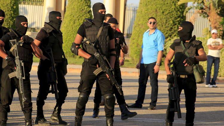 القوات المصرية تعرضت لكمين في الواحات وهناك رهائن