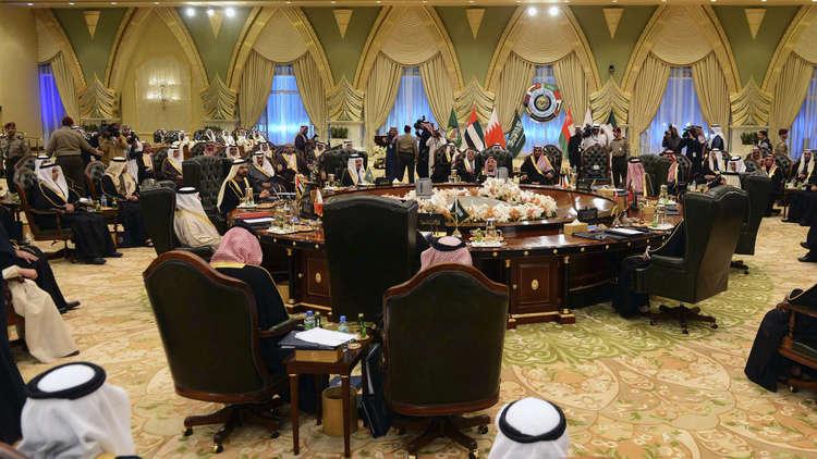 أنباء عن تأجيل القمة الخليجية 6 أشهر