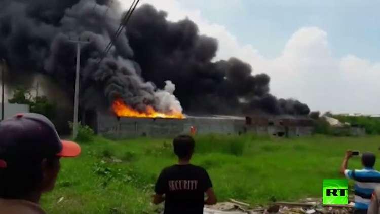 إندونيسيا.. مقتل وإصابة العشرات بانفجار في مصنع ألعاب نارية