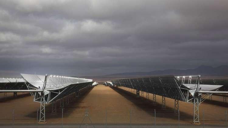 مصر تبني أكبر محطة شمسية في العالم