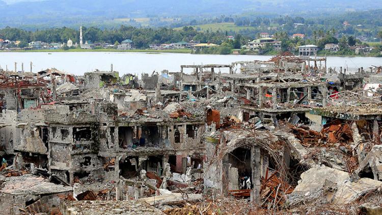 فيديو يظهر مدى الدمار في مراوي الفلبينية بعد تحريرها من داعش