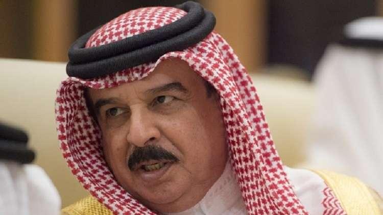 ملك البحرين يأمر بفرض تأشيرات دخول على القادمين من قطر