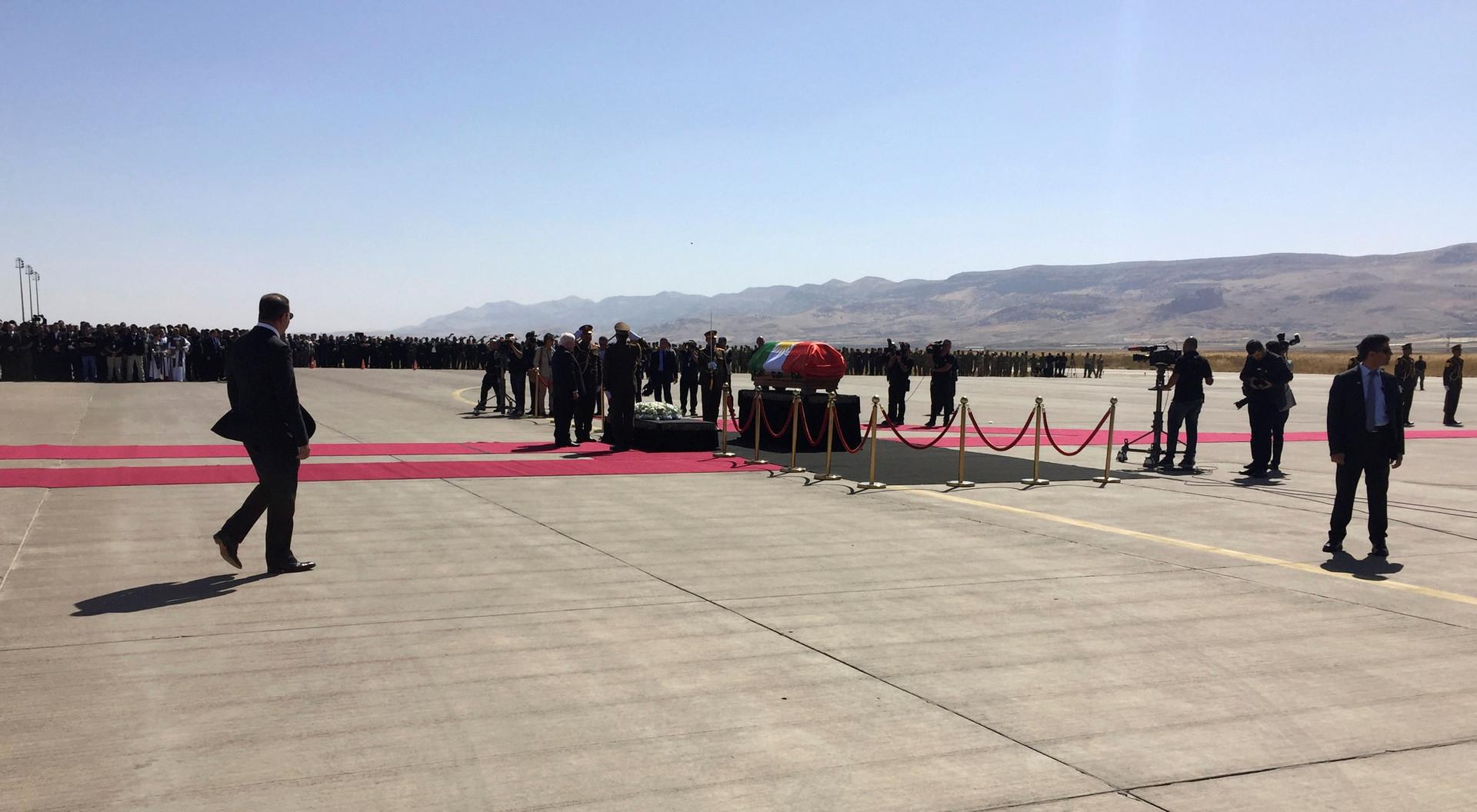 طالباني إلى مثواه الأخير مغطى بعلم كردستان