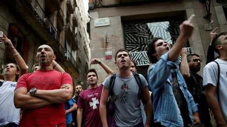 مظاهرة تطالب بالانفصال عن إسبانيا في شوارع برشلونة