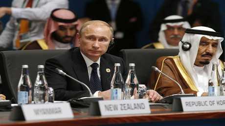 أرشيف - الرئيس الروسي فلاديمير بوتين والملك السعودي سلمان بن عبدالعزيز