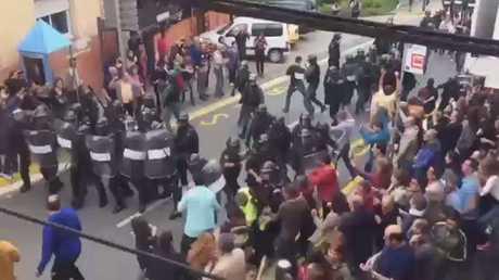 أصداء عنف الشرطة الإسبانية في لندن