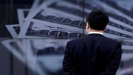 بغداد تقطع الدولار عن إقليم كردستان