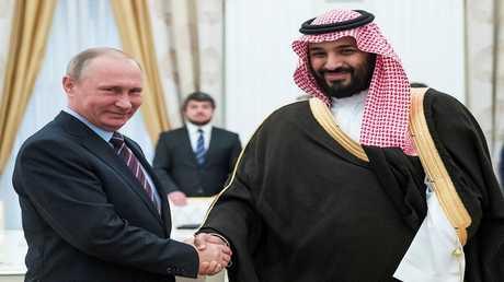 أرشيف – الرئيس الروسي فلاديمير بوتين وولي العهد السعودي الأمير محمد بن سلمان