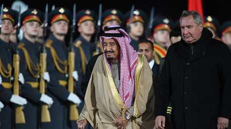 العاهل السعودي يصل موسكو