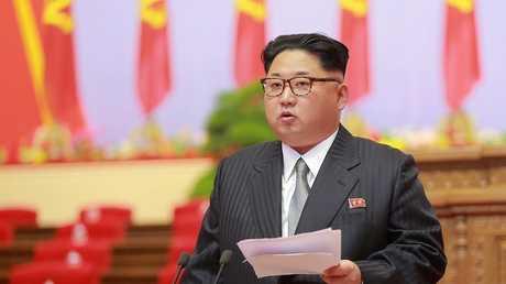 الزعيم الكوري الشمالي كيم جونغ - أون