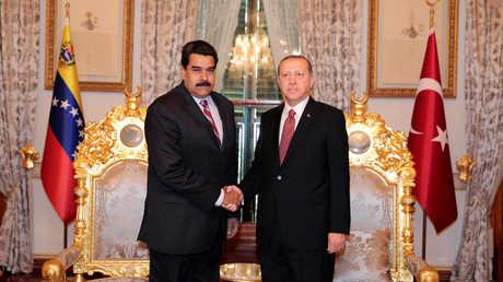 رجب طيب أردوغان ونيكولاس مادورو - صورة أرشيفية
