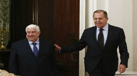 وزير الخارجية الروسي سيرغي لافروف ونظيره السوري وليد المعلم