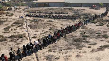 مهاجرون غير شرعيين سيتم نقلهم إلى مركز احتجاز بمدينة صبراتة