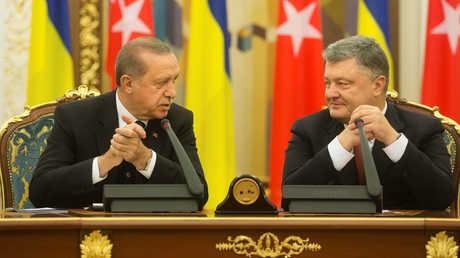الرئيسان التركي رجب طيب أردوغان والأوكراني بيترو بوروشينكو