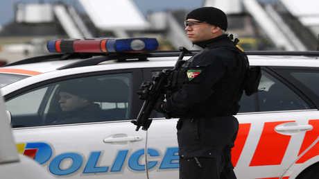 شرطي سويسري