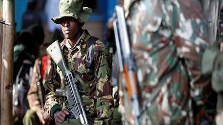 أحد أفراد الأمن الكيني