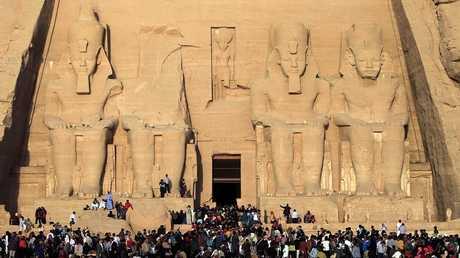 """معبد """"أبو سمبل"""" الشهير بمحافظة أسوان"""
