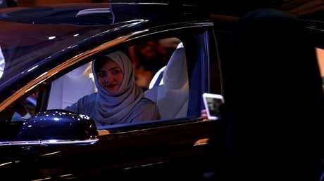 المرأة السعودية تنعش سوق السيارات