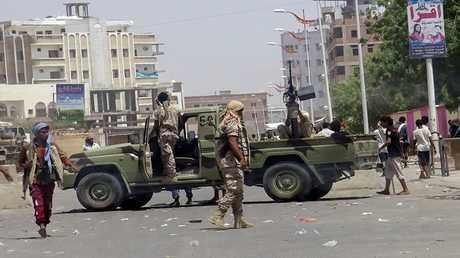 أرشيف - جنود من الجيش اليمني في مهمة
