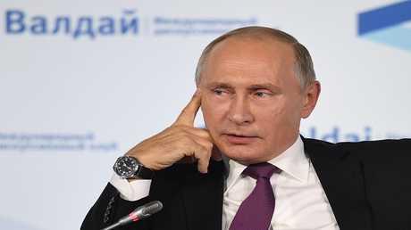 الرئيس فلاديمير بوتين أثناء مشاركته في الاجتماع السنوي لنادي فالداي الدولي