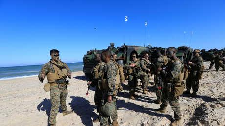 عناصر قوات المشاة البحرية الأمريكية أثناء تدريبات للناتو في منطقة البلطيق