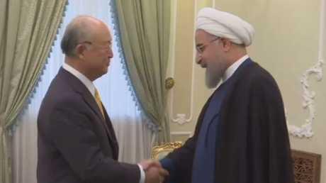 الرئيس الإيراني حسن روحاني ورئيس المنظمة الدولية للطاقة الذريو يوكيا أمانو