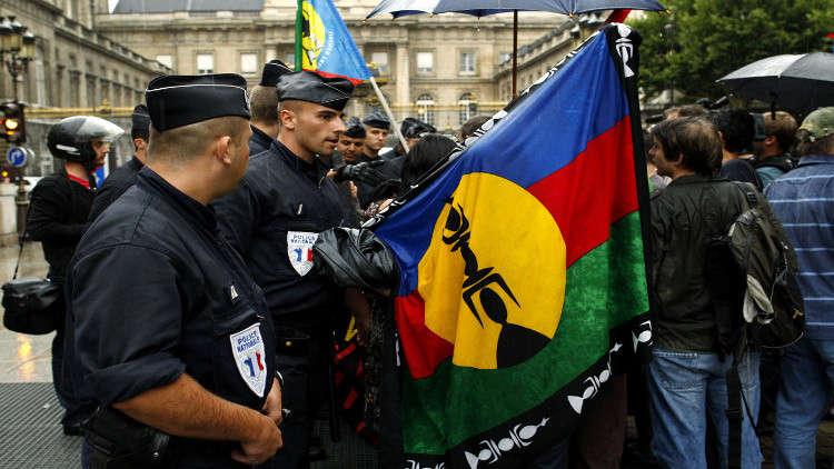 فرنسا توافق على استفتاء لاستقلال كاليدونيا الجديدة