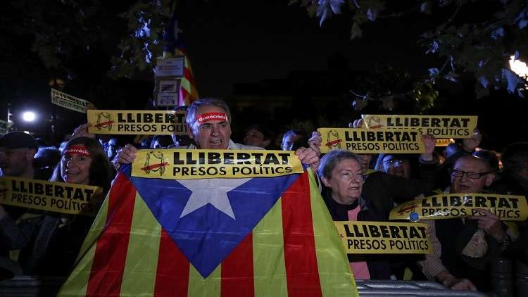 المحكمة الدستورية في مدريد تلغي قوانين سمحت لكتالونيا بإجراء الاستفتاء