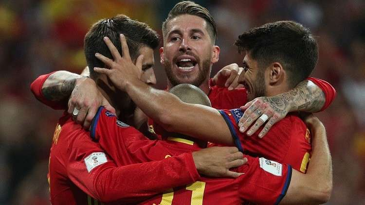 راموس وإنييستا أبرز النجوم في قائمة إسبانيا لمواجهة روسيا