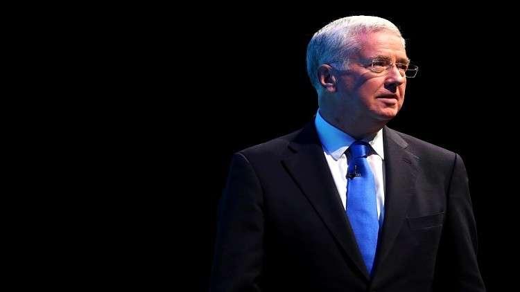 التحرش الجنسي لم يكن السبب.. تلغراف تكشف عن حقيقة استقالة وزير الدفاع البريطاني