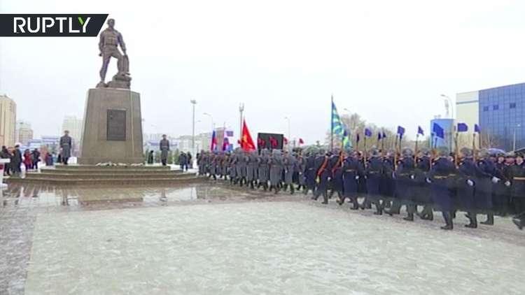 إزاحة الستار عن تمثال للضابط الروسي الكسندر بروخورينكو في مدينة أورينبورغ