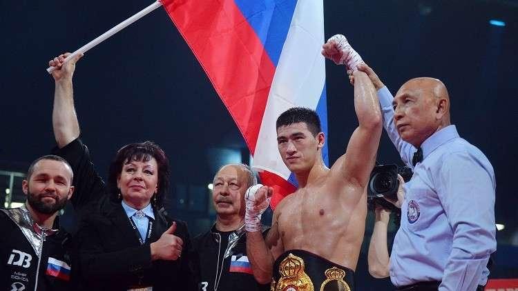 الملاكم الروسي بيفول يسقط منافسه الأسترالي بالضربة القاضية (فيديو)