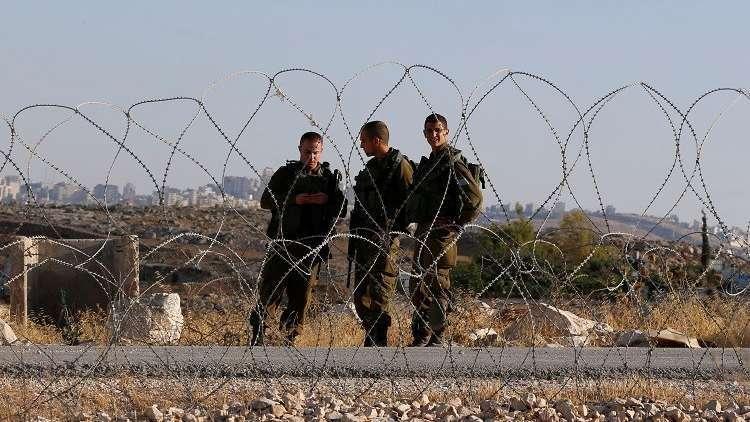 اعتقال 16 فلسطينيا في الضفة الغربية