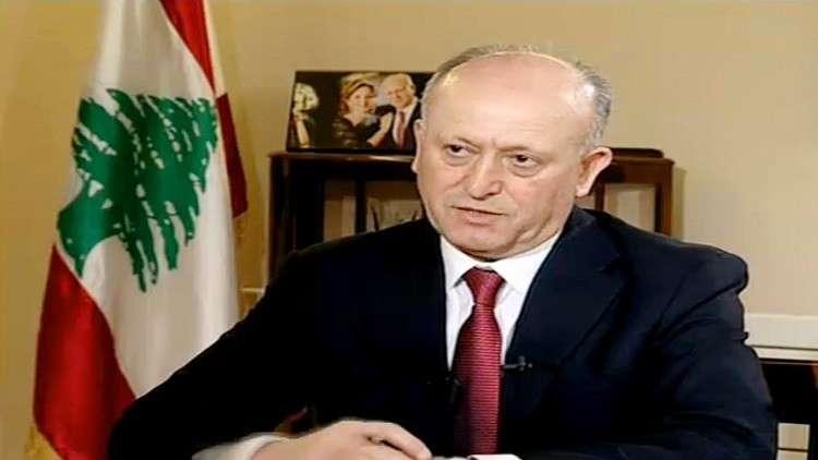 وزير سابق: لبنان بدأ برفع اليد الإيرانية عن كاهله!
