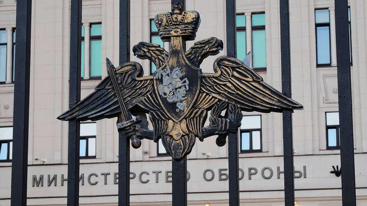 شاهد اللحظات الأولى لانفجار لغم وإصابة صحفيين وعسكريين روس في دير الزور
