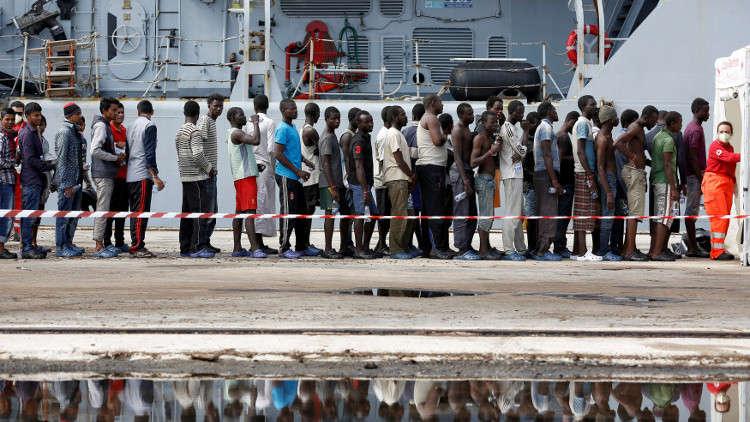 موغيريني: تراجع تدفق المهاجرين إلى إيطاليا بنسبة 30% هذا العام