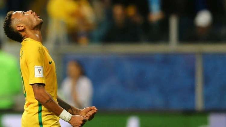 بالفيديو والصور.. نيمار يتدرب مع البرازيل في