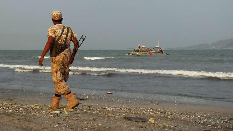 التحالف العربي يسمح بإعادة فتح ميناء عدن