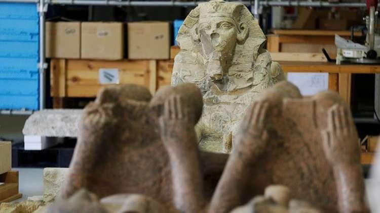 الإمارات تعيد لمصر قطعا أثرية مهربة