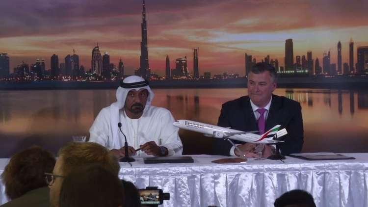 الإمارات تشتري طائرات بوينغ بـ 15 مليار دولار