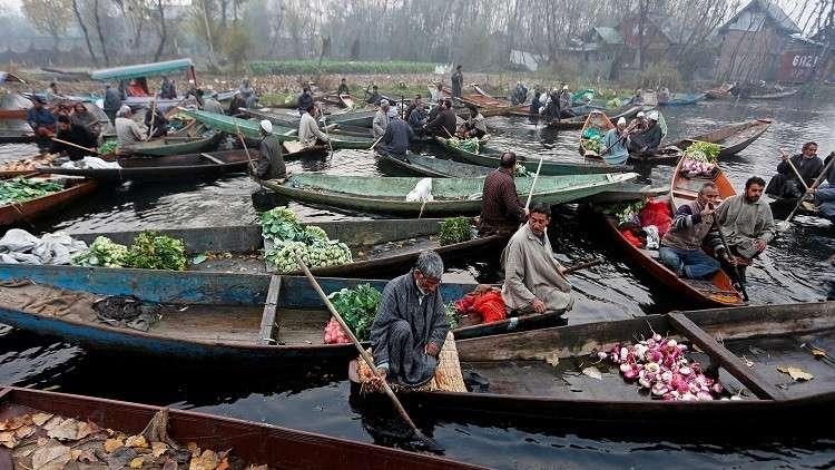 الهند.. مصرع 16 شخصا بغرق قارب داخل نهر