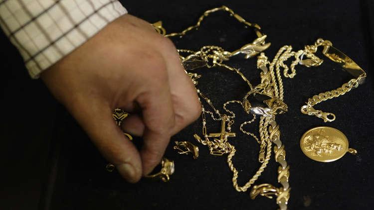 إسبانيا.. ضبط مجوهرات مزيفة كانت متجهة للجزائر