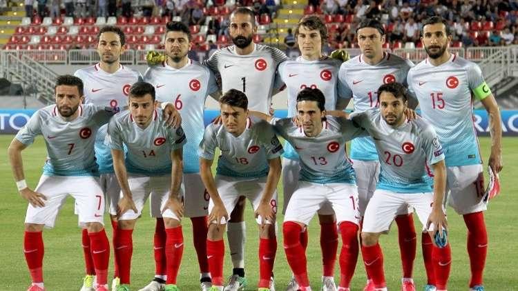 شاهد.. ألبانيا تهزم تركيا في عقر دارها
